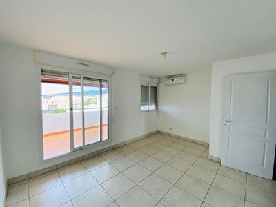 Appartement T4 en Duplex sur Ste Clotilde 6/9